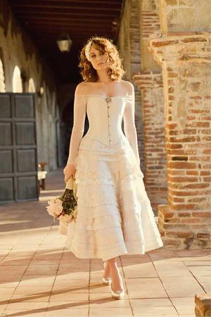 Joan SHum short gown