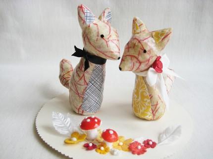 Cute fox cake toper