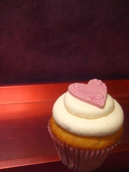 Cupcake with Swiss Meringue Buttercream