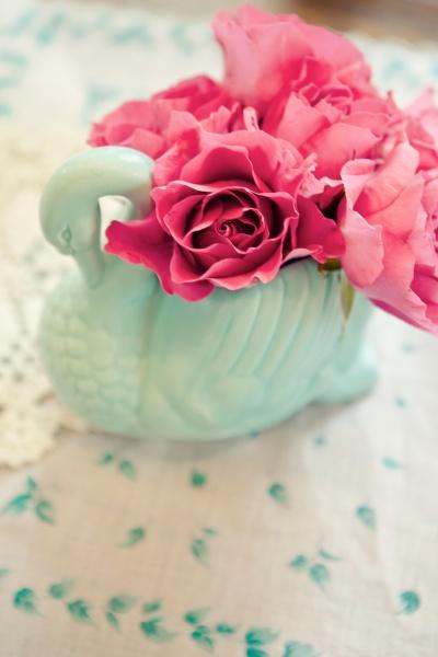 turquoise swan vase