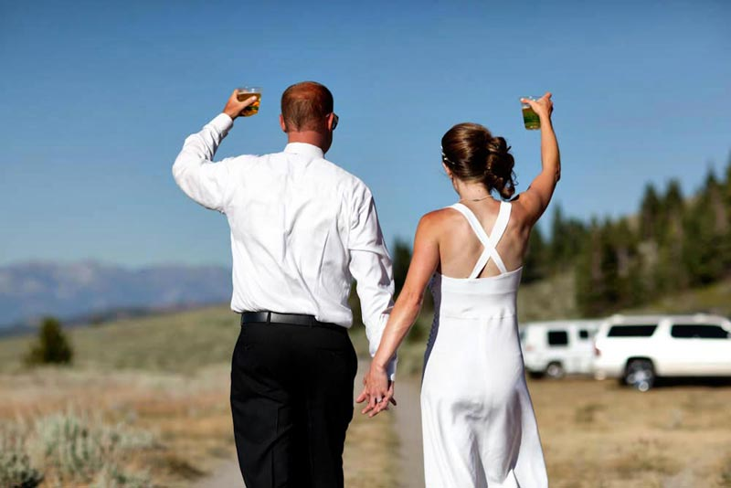 mammoth mountain bride and groom wave goodbye