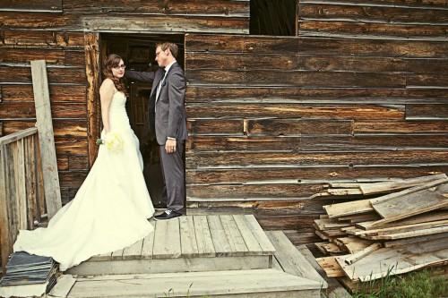 Bridal portraits at a rustic barn