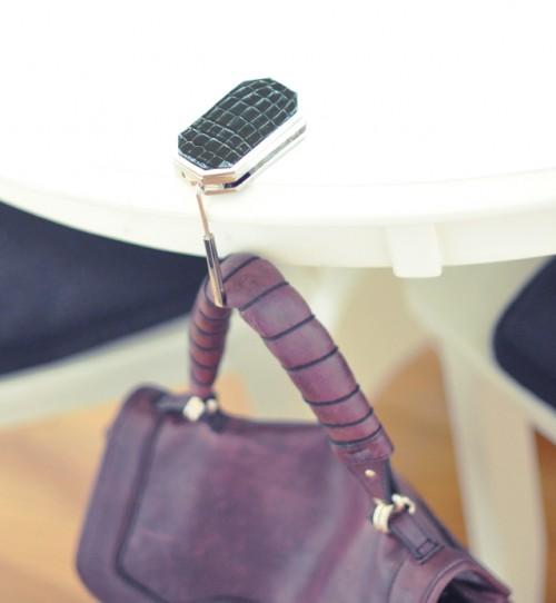Mon Mode Purse Hanger with Purple Bag