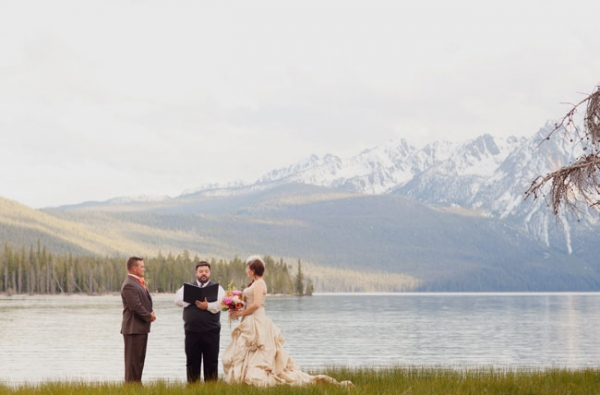 Vintage Elopement in the Sawtooth Mountains