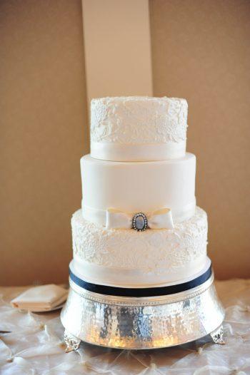 wedding dress inspired wedding cake