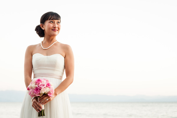 Lake Tahoe Bride with white and pink rose bouquet