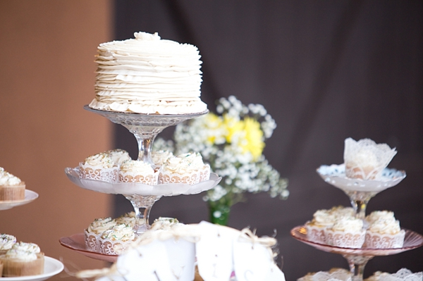 15-mini-wedding-cakes-Angelina-Rose-Photography