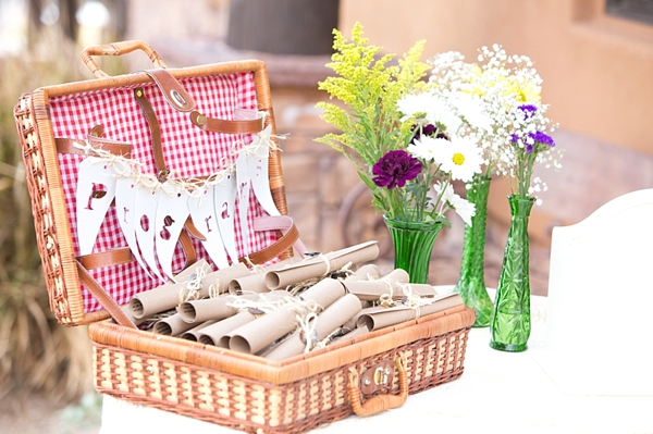 6-picnic-basket-Angelina-Rose-Photography