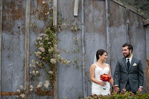 23-rustic-bride-and-groom
