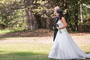 Yosemite bride walks down the aisle with her father