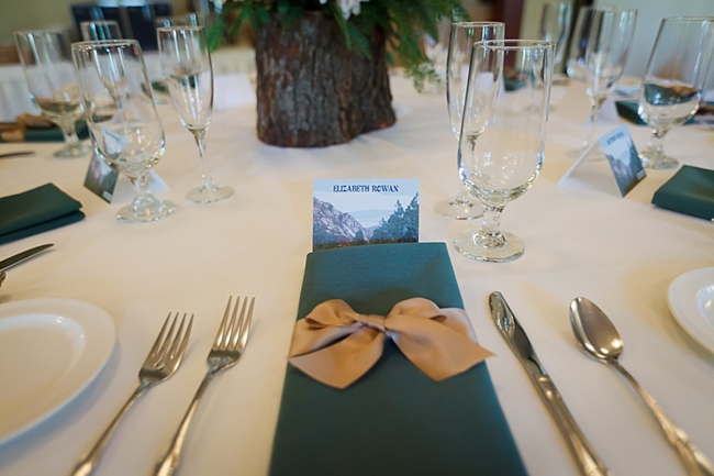 rustic table setting sequoia national park wedding