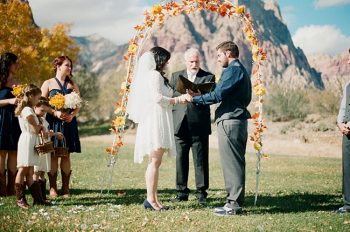 mountain ceremony site in Nevada by Gaby J Photography