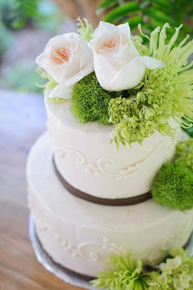 11-rustic-elegant-wedding-cake-hawkesdene-mountain-wedding-Torrence-Photography