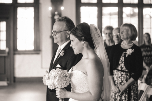 father walks bride down the aisle at Lookout Mountain in Tennessee