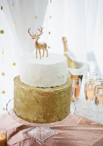 woodland wedding cake with deer topper
