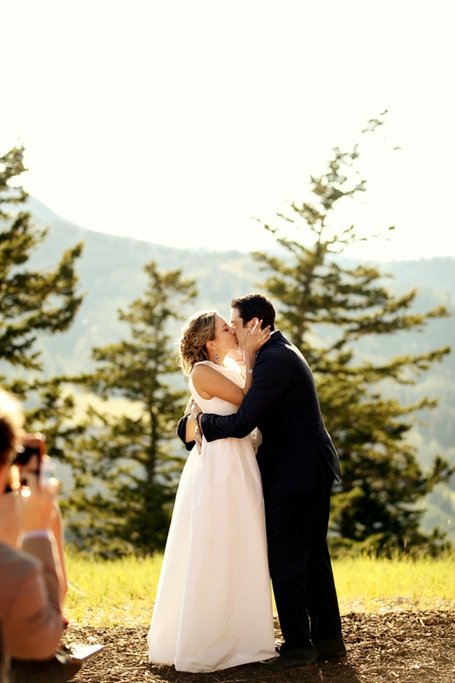bride and groom | Park City Wedding via http://MountainsideBride.com