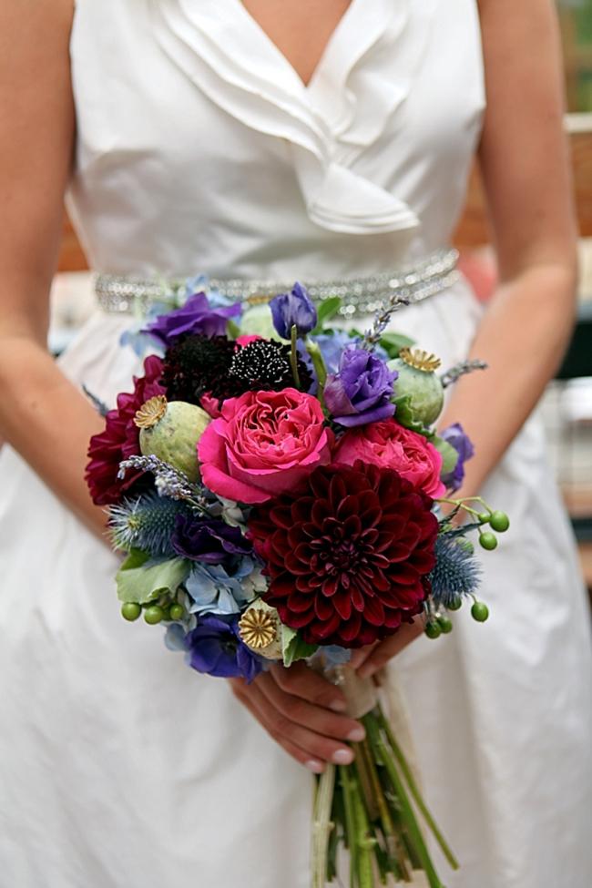 red and blue bouquet |Park City Wedding via http://MountainsideBride.com