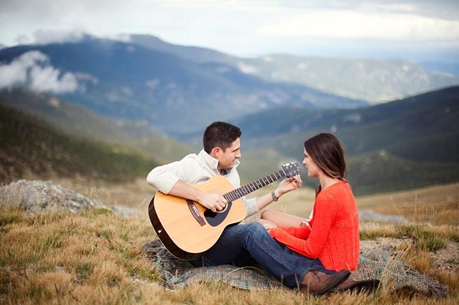 8-Mountain-Engagement-Ashley-Biess-Photography