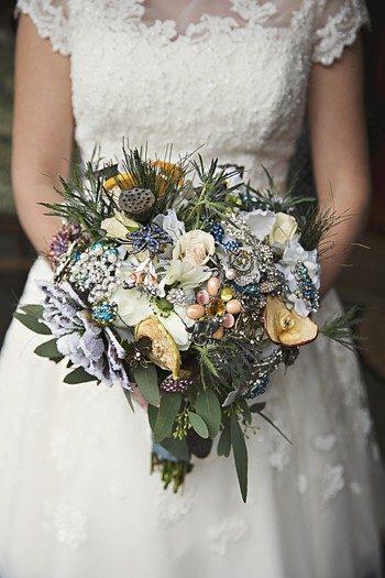 brides rustic winter bouquet