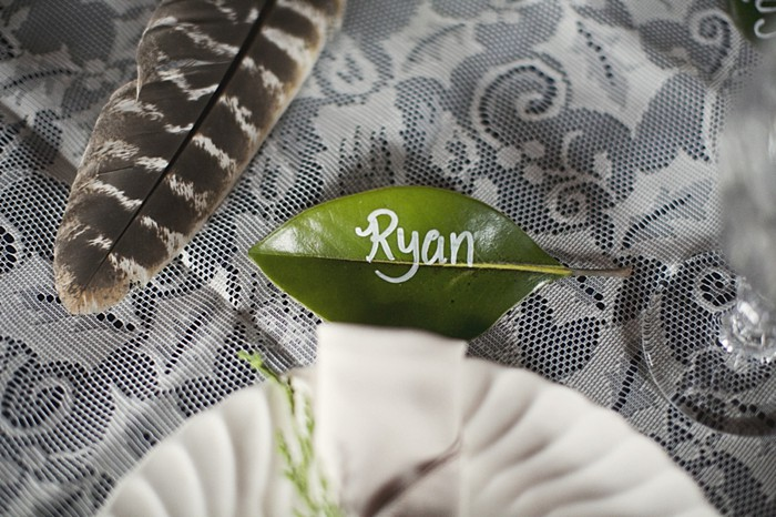 magnolia leaf place setting
