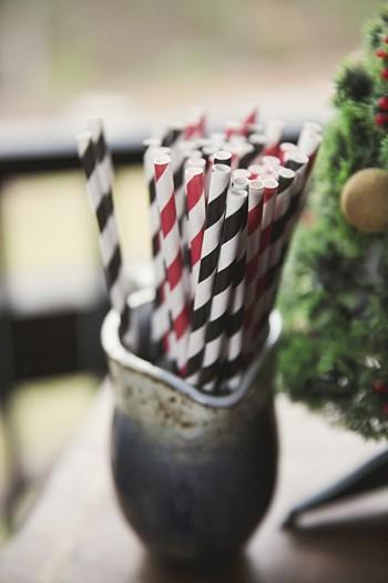 colored paper straws