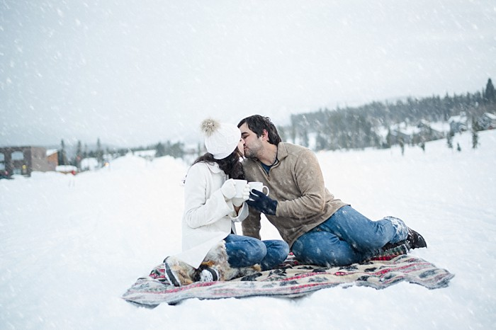 Snowy Colorado Engagement | Photography by Pearl Walker Photofraphy