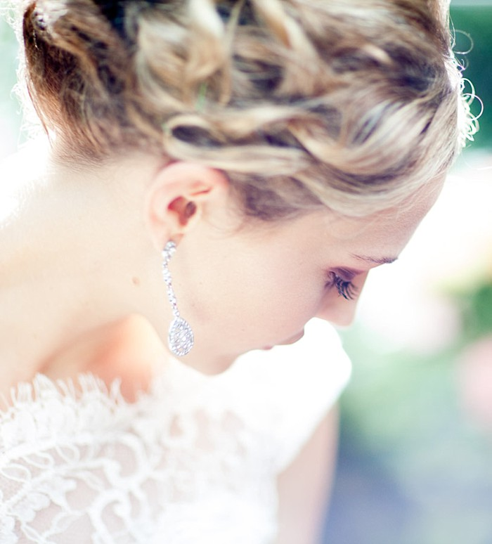 beautiful mountain bride portrait