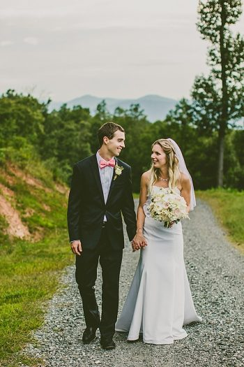 Asheville Mountain Wedding | Photography by Carolyn Scott See more: : https://mountainsidebride.com/2014/02/asheville-mountain-wedding-with-vintage-details