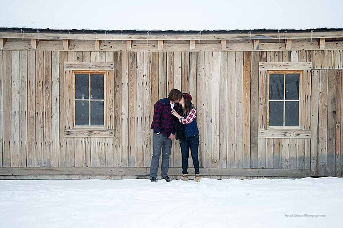 "Snowy Utah Engagement Session | Photography by Veronica Benson | See more"" https://mountainsidebride.com/2014/02/snowy-utah-engagement-session/"
