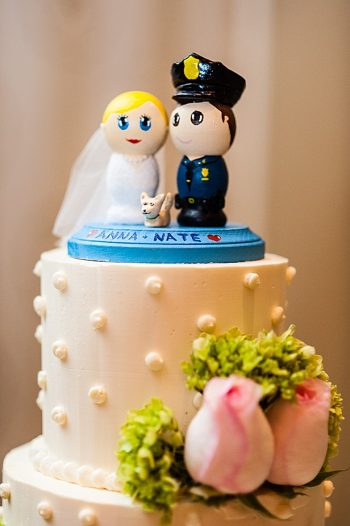 wooden figure cake topper | Photography by AMW Studios | see more on MountainsideBride.com
