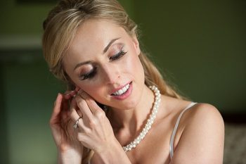 pretty bridal makeup| Photography by AMW Studios | see more on MountainsideBride.com