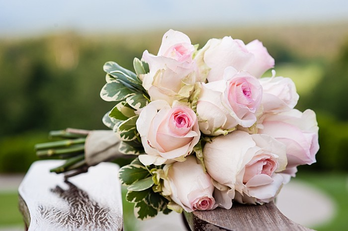 classic pink rose bouquet | Photography by AMW Studios | see more on MountainsideBride.com| Photography by AMW Studios | see more on MountainsideBride.com