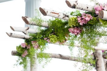 ceremony arch flowers | Photography by AMW Studios | see more on MountainsideBride.com
