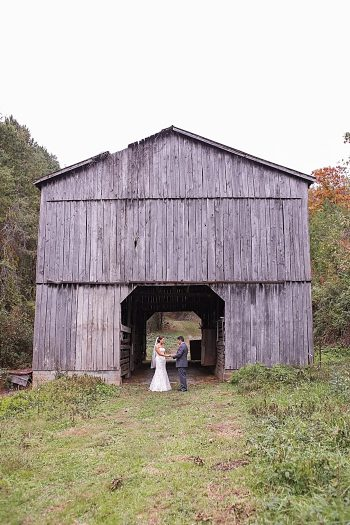 Rustic Sevierville Tennessee wedding Star Noir Studio