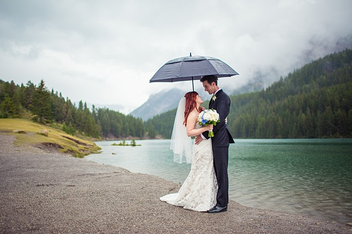 Gorgeous rainy day mountain wedding| Banff Wedding by Just for You Photography