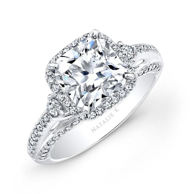 Princess-Cut-Halo-Diamond-Engagement-Ring-Side-Stones