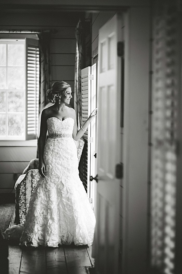 bride window | Old Edwards Inn Wedding | Crystal Stokes Photography