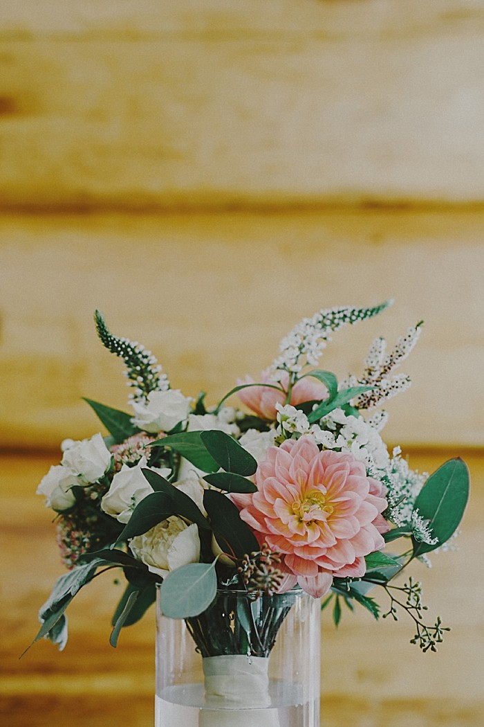 rustic bouquet| Whistler wedding | Tomasz Wagne