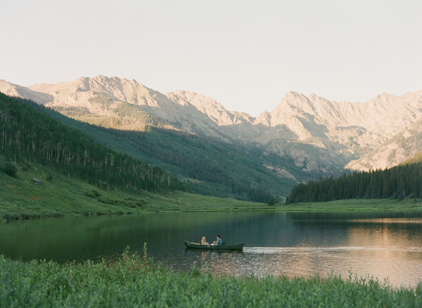 17-Laura-Murray-Mountains-and-Canoes-engagement-Vail