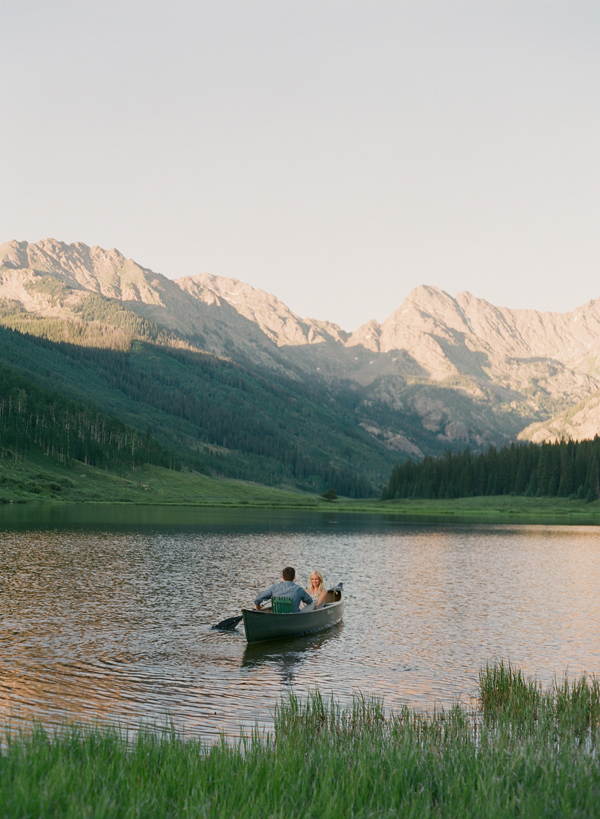 23-Laura-Murray-Mountains-and-Canoes-engagement-Vail