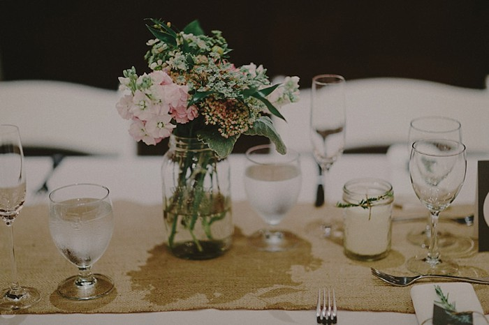 burlap table runner | Whistler wedding | Tomasz Wagne
