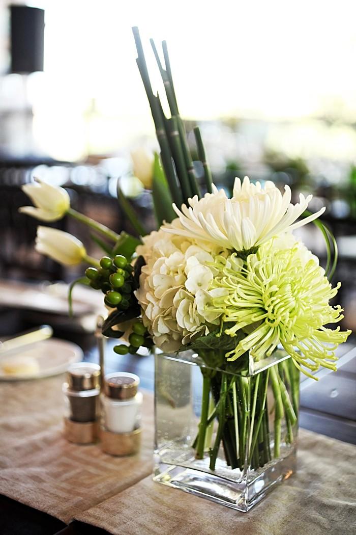 green centerpieces   Deer Valley Utah Wedding   Pepper Nix Photography