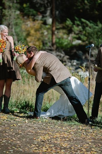 ceremony kiss | steamboat springs wedding | Andy Barnhart
