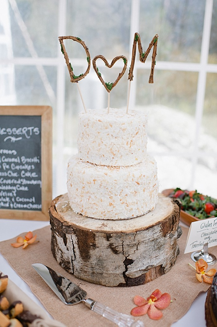 rustic wedding cake  | steamboat springs wedding | Andy Barnhart