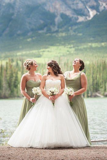 bride and bridesmaids | Pyramid Lake wedding | Jarusha Brown Photography