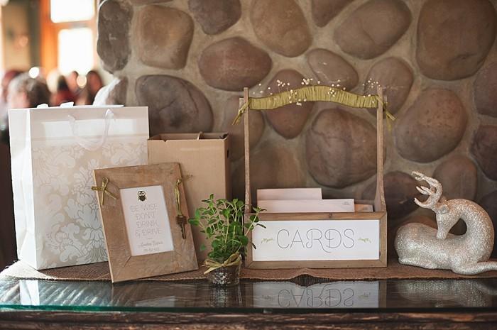 rustic cards box | Pyramid Lake wedding | Jarusha Brown Photography