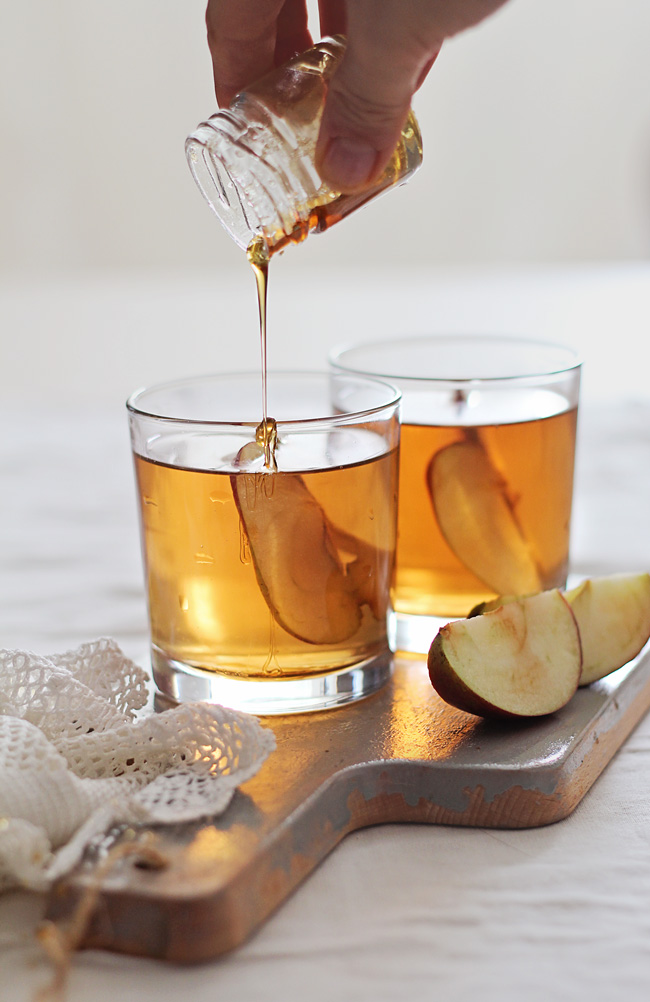 Honey Bourbon Apple Cider Fall Signature drink