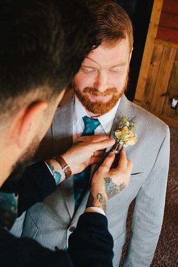 grooms bout | Photography by Fox Owl Studio