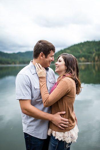 Mountaintop engagement | Lake Selmac | Nikita Lee Photography