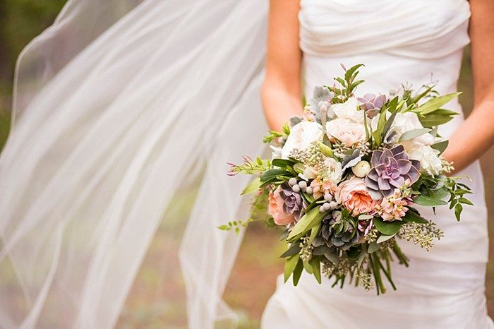 bouquet | Breckenridge wedding at 10 Mile station |INphotography